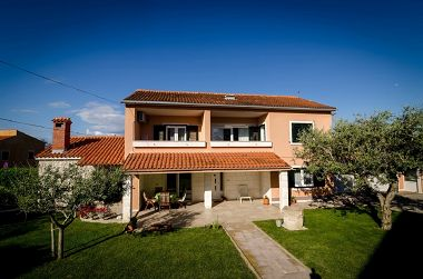 Ferienhaus Old Town - great location: H(6+3) Nin - Riviera Zadar  - Kroatien
